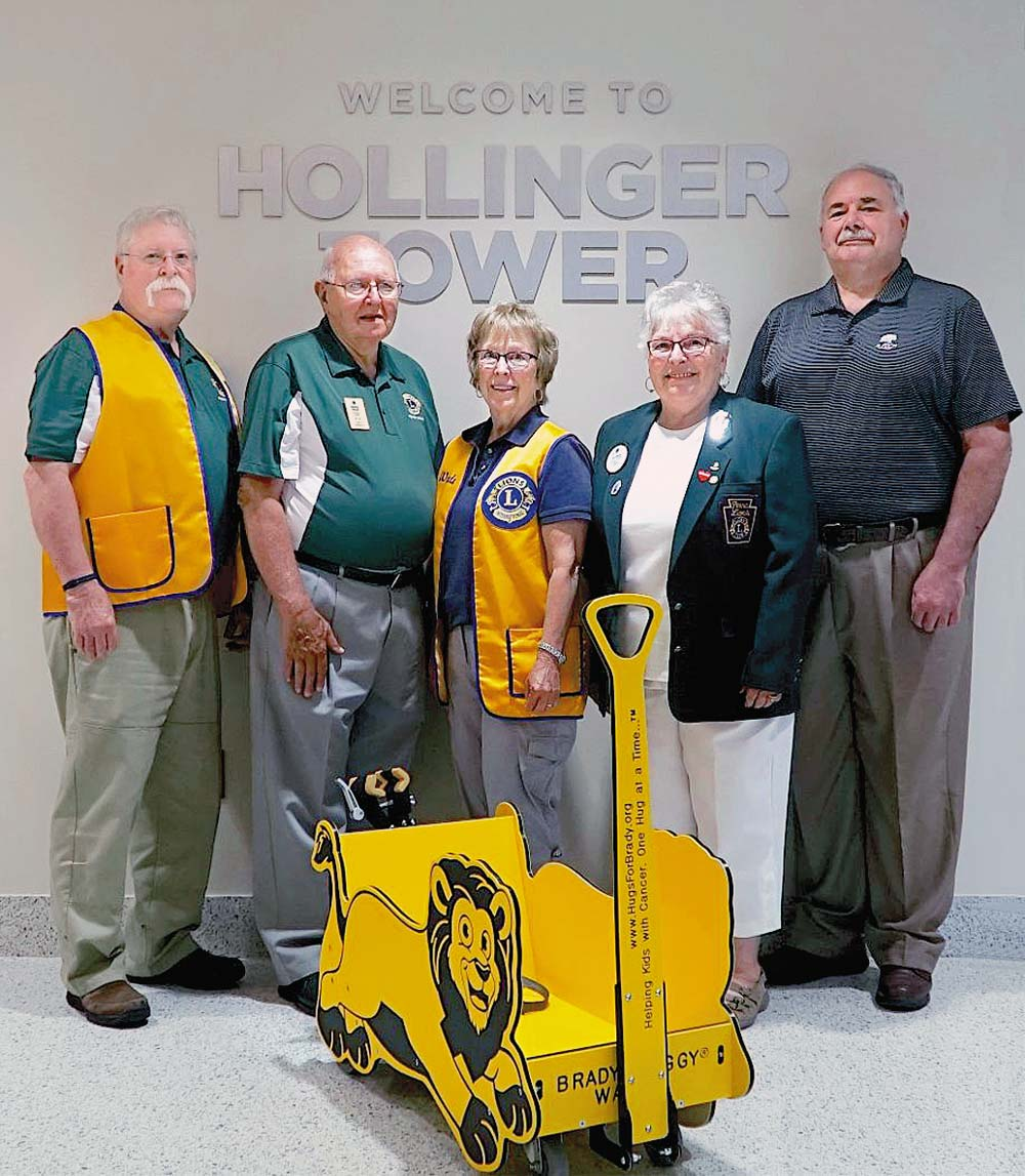 Lions Club Presents Donation | TownLively